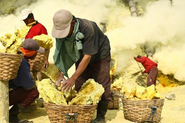 trabalho precário na mineração do enxofre