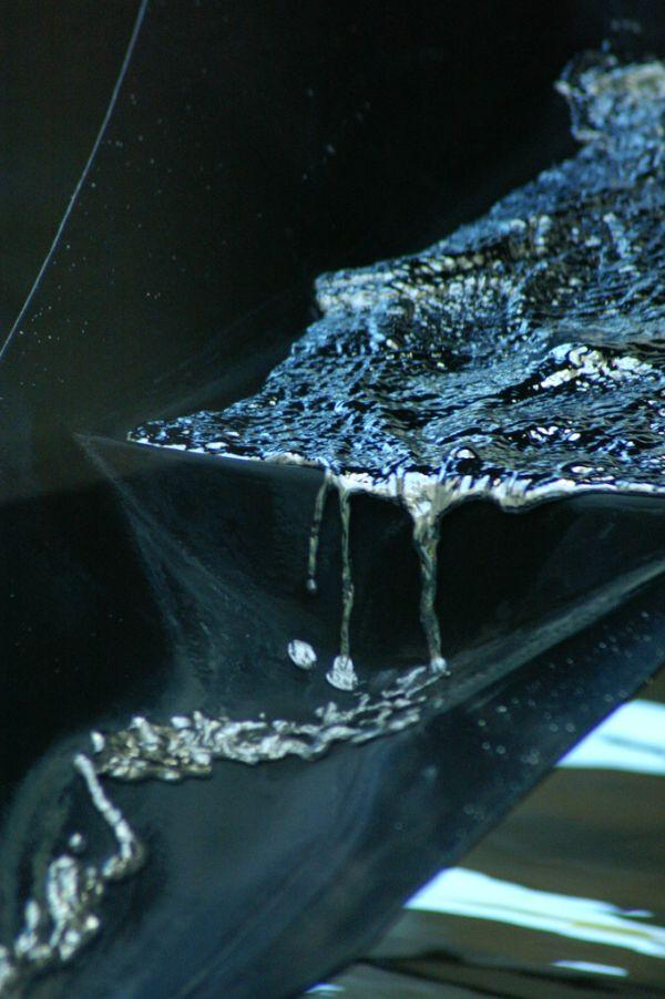 fonte com mercúrio líquido