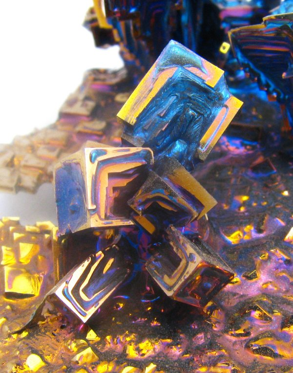 cristalização do metal bismuto