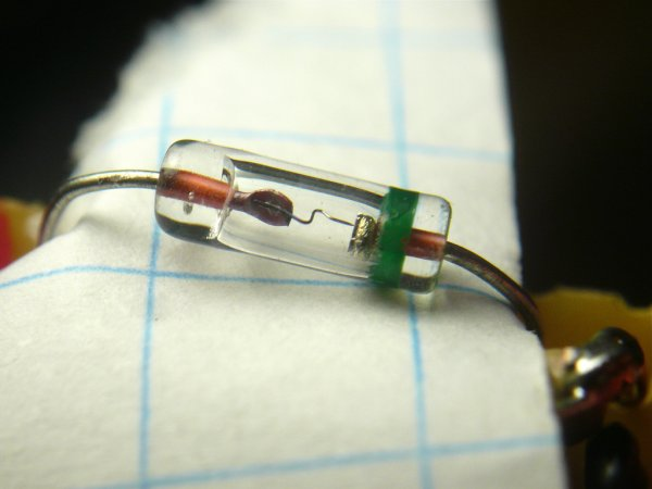 componente eletrônico transparente