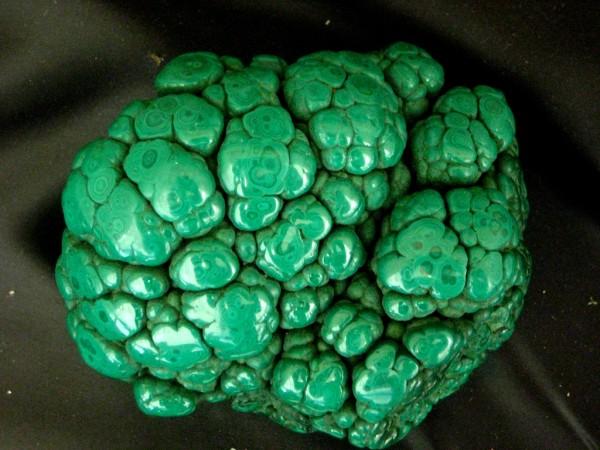 minera contendo cobre
