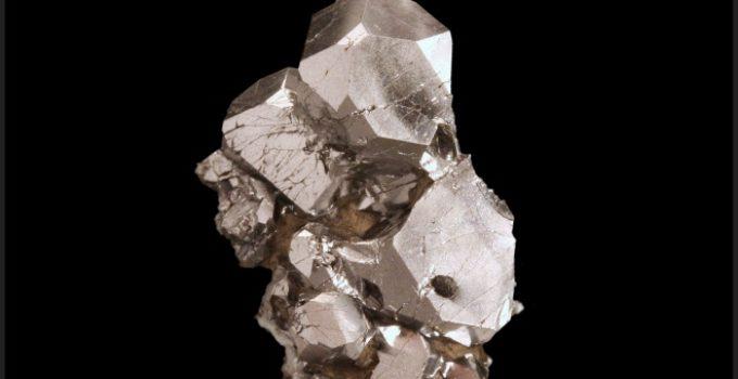 PtAs2 platina e arsênio em mineral