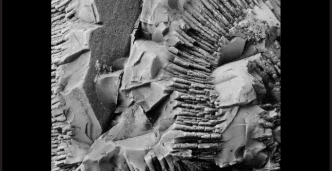 Manganês no mineral pirolusita