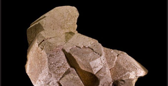 Potássio no mineral ortoclase